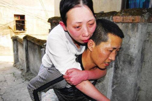 nhung buc anh ve tinh nghia phu the lay dong long nguoi - 2