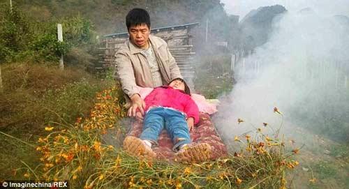nguoi cha ngheo 'xong khoi' de chua benh cho con - 3