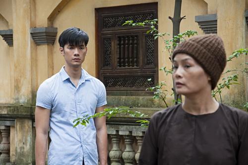 "chi pu ""gay sot"" khi duoc nhan phuc vinh cong tren vai - 18"