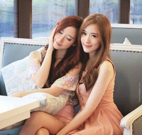 cap chi em song sinh tao 'song' vi giong het my nu han - 12