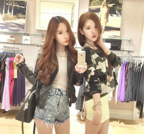 cap chi em song sinh tao 'song' vi giong het my nu han - 14