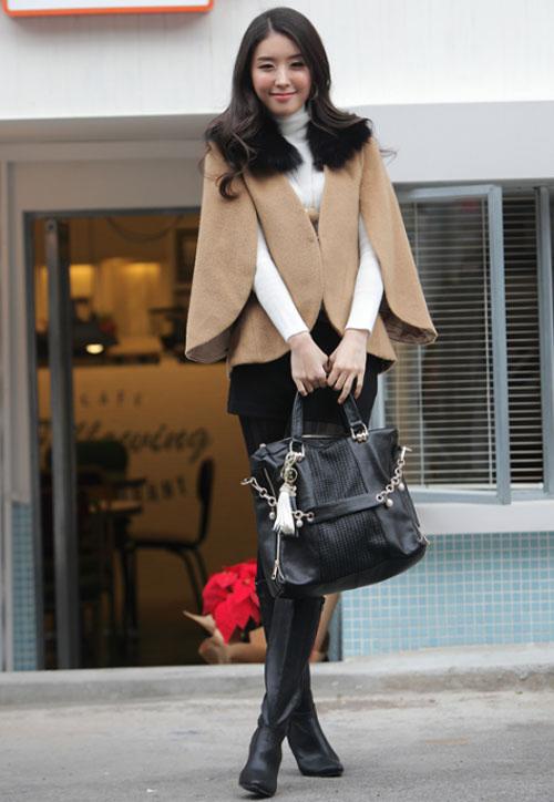 Tư vấn thời trang: Cách mặc áo cape cho nàng nấm lùn - 1
