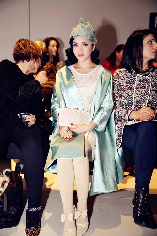 ai duoc san don nhat tham do vn fashion week - 7