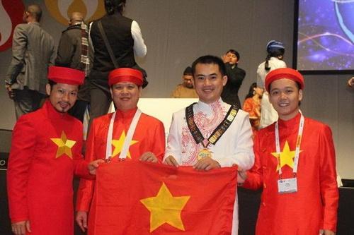 """khanh my tham du """"victoria secret's show"""" luc nua dem - 12"""
