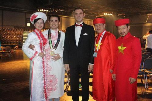 """khanh my tham du """"victoria secret's show"""" luc nua dem - 11"""