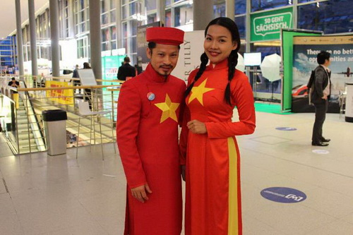 """khanh my tham du """"victoria secret's show"""" luc nua dem - 13"""