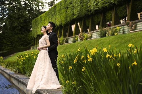 Triệu Vy giản dị tới mừng đám cưới Hựu Đình - Viên Viên-2