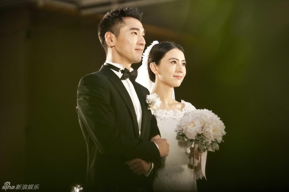 Triệu Vy giản dị tới mừng đám cưới Hựu Đình - Viên Viên-1