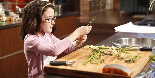 masterchef junior: co be abby nau an tu nam 2 tuoi - 4