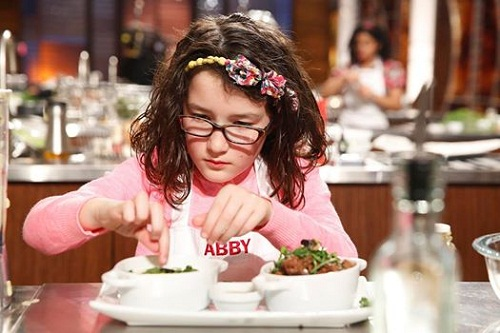 masterchef junior: co be abby nau an tu nam 2 tuoi - 9