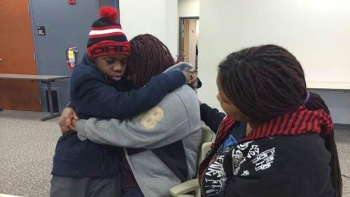 Mỹ: Bé 13 tuổi bị bố đẻ giam giữ suốt 4 năm - 2