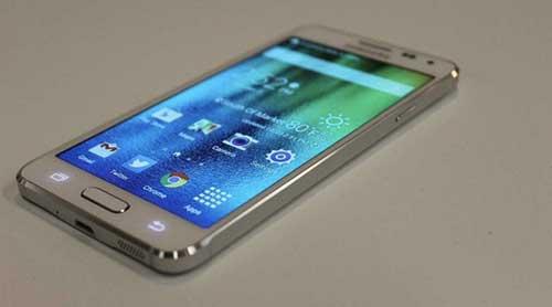 samsung chuan bi ra smartphone kim loai galaxy a7 moi - 1