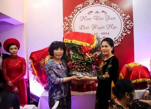 dam hoi thu vi cua co gai viet lay chong han - 6