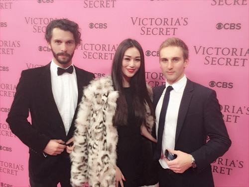 "khanh my ""sang chanh"" di xem victoria's secret show - 8"