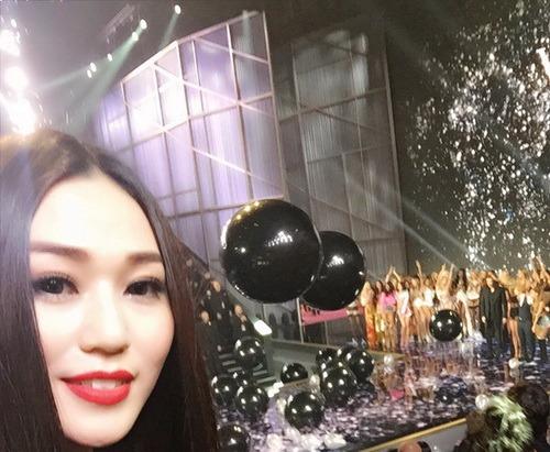 "khanh my ""sang chanh"" di xem victoria's secret show - 10"