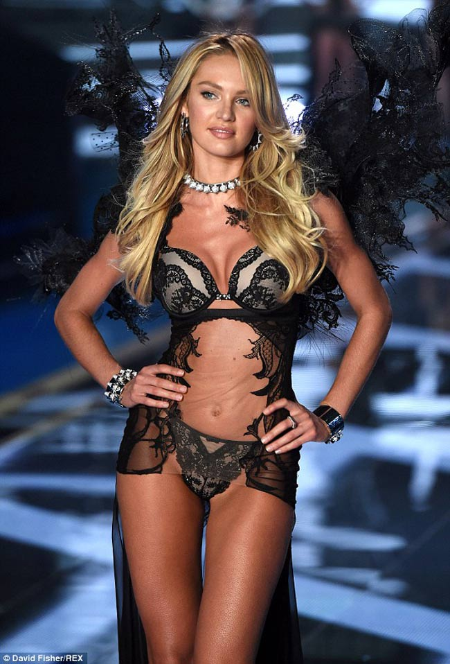 Candice Swanpoel luôn có một sức hút kỳ lạ. Sau khi Miranda Kerr ra đi thì người đẹp người Nam Phi được Victoria's Secret vô cùng ưu ái.
