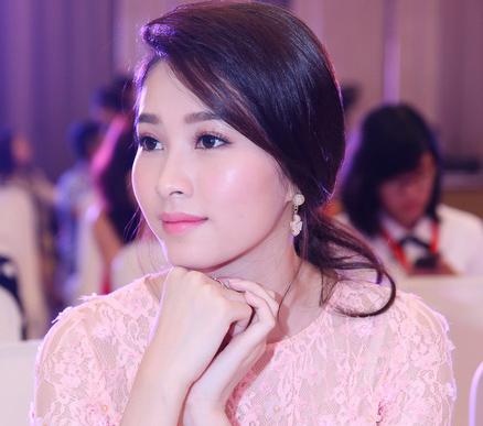 "angela phuong trinh len tieng ve hinh anh nu than ""gay sot"" - 4"