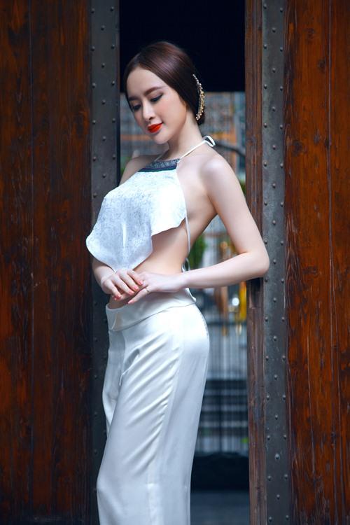 angela phuong trinh goi cam kho cuong voi ao yem - 4