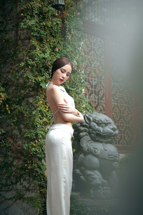 angela phuong trinh goi cam kho cuong voi ao yem - 6