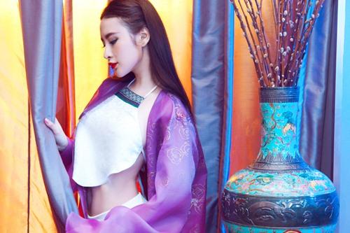 angela phuong trinh goi cam kho cuong voi ao yem - 9