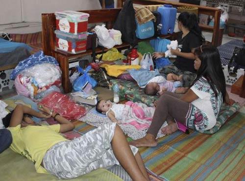 anh: nguoi dan philippines hoang so tranh bao hagupit - 6