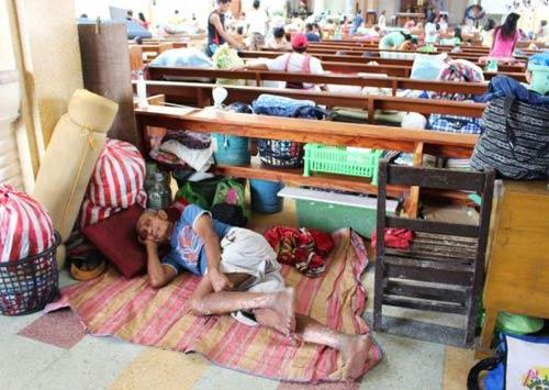 anh: nguoi dan philippines hoang so tranh bao hagupit - 7
