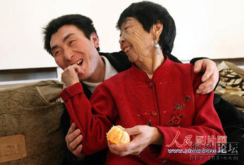 chong kem vo hon 30 tuoi van hanh phuc ngot ngao - 2