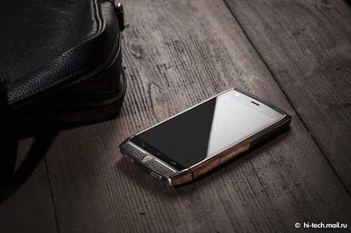 tauri 88, smartphone sieu sang gia 128 trieu dong - 1