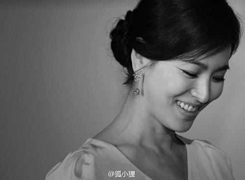 """nhung khoanh khac """"van nguoi me"""" cua song hye kyo - 1"""