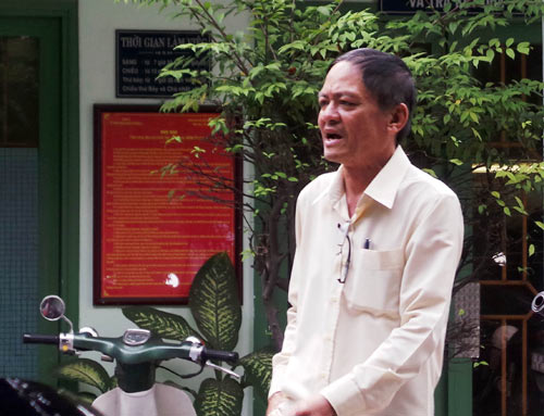 be trai bi bo roi tren taxi: khong the lien lac voi me de - 2
