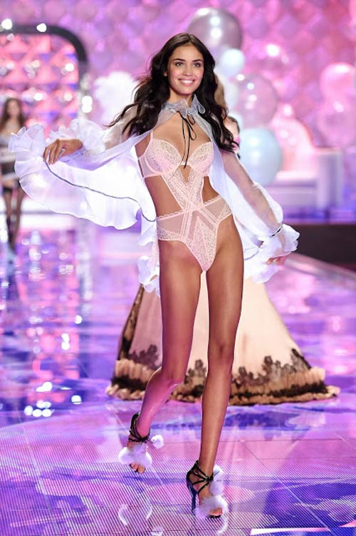 video: lai nong nguoi vi thien than victoria's secret! - 5