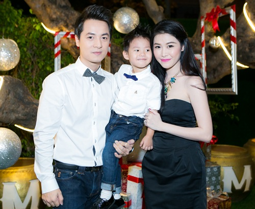 vo chong dang khoi dua con trai di gap go ban be - 6