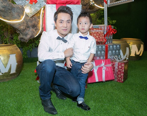 vo chong dang khoi dua con trai di gap go ban be - 7