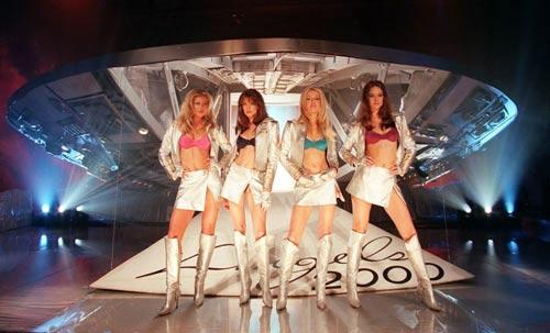 """su """"tien hoa"""" cua victoria's secret show qua tung nam - 3"""