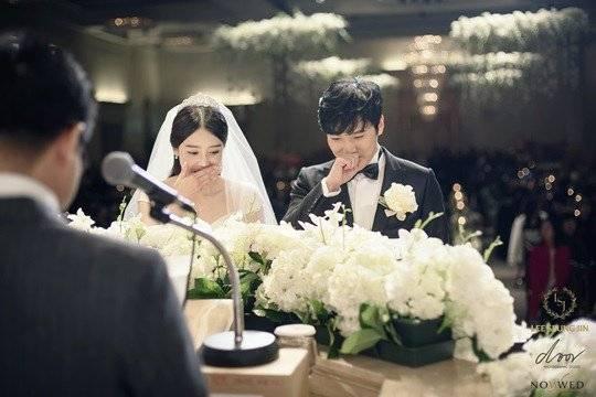 sungmin (suju) hanh phuc ben co dau trong ngay cuoi - 1