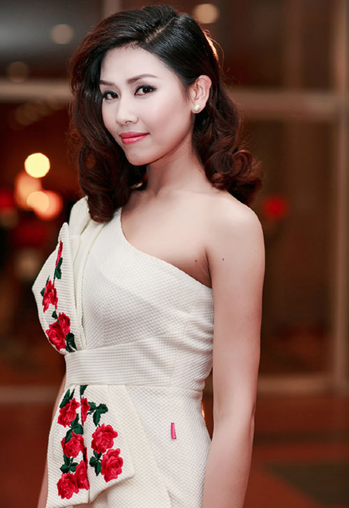 bat ngo it ai biet cua nguyen thi loan o top 25 miss world - 13