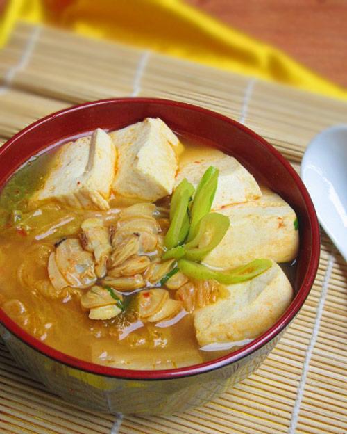 canh kim chi nau ngao dau nong hoi - 10