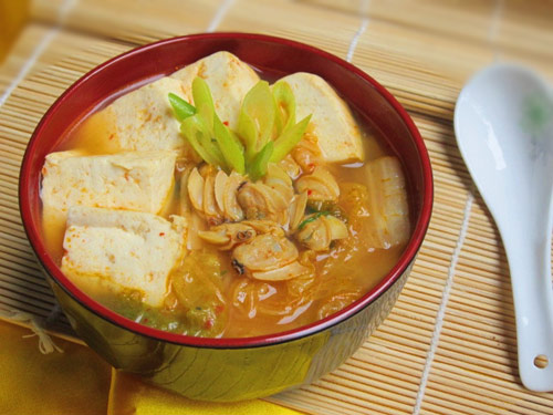 canh kim chi nau ngao dau nong hoi - 8