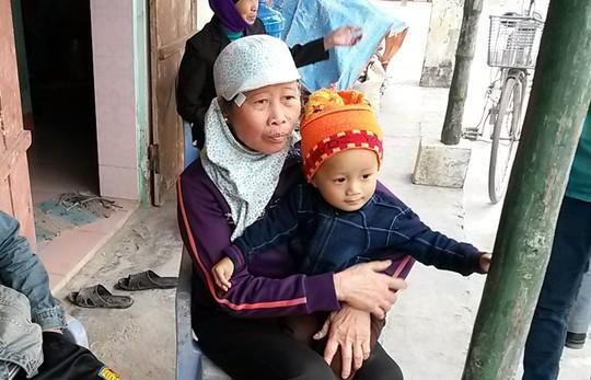 tang thuong bao trum xom chai dam thuyen cao ngao - 1