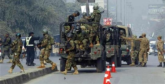 pakistan: taliban vay truong hoc, ban chet hon 100 hoc sinh - 1