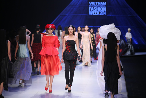 top 4 show thoi trang dang xem nhat viet nam 2014 - 1