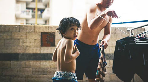 """Bộ ảnh """"Cha nào con nấy"""" tuyệt đẹp của ông bố Sài Gòn và con trai - 10"""