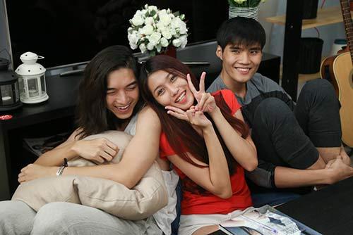 nghi van tinh tay ba cua thi sinh vn's next top model 2014 - 5