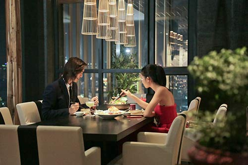 nghi van tinh tay ba cua thi sinh vn's next top model 2014 - 1