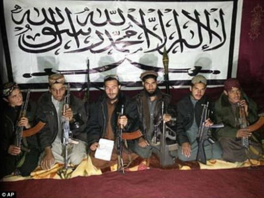 pakistan: lo dien ke chu muu vu tham sat 132 hoc sinh - 1