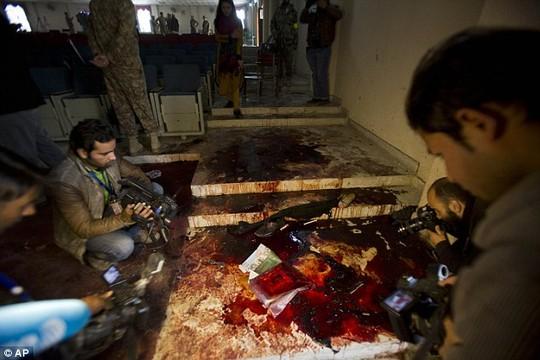 pakistan: lo dien ke chu muu vu tham sat 132 hoc sinh - 6