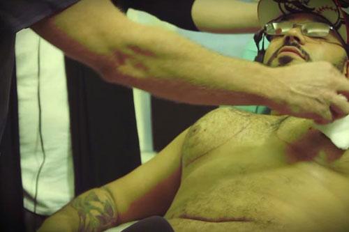 Hé lộ quá trình nâng ngực của đàn ông - 6