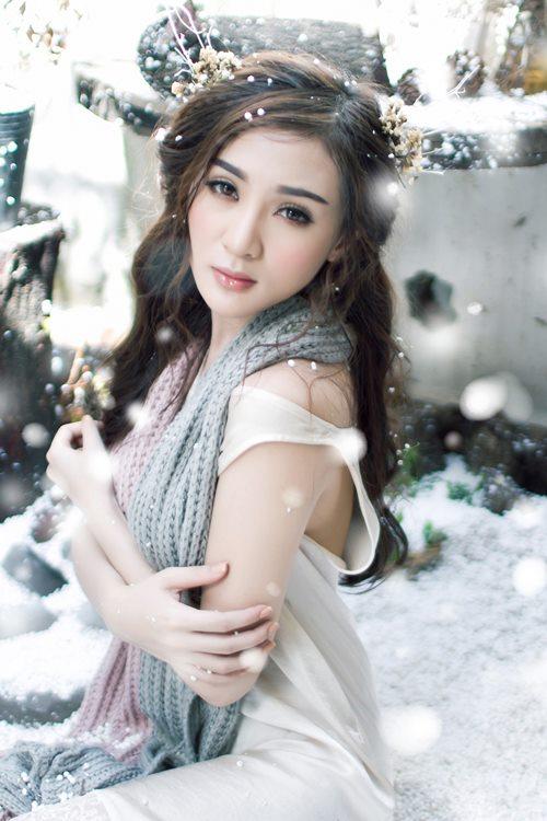 giai nhan viet dua nhau khoe sac chao don noel - 8