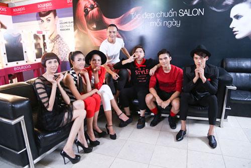top 7 vntm 2014 hat chuc mung giang sinh vui nhon - 3