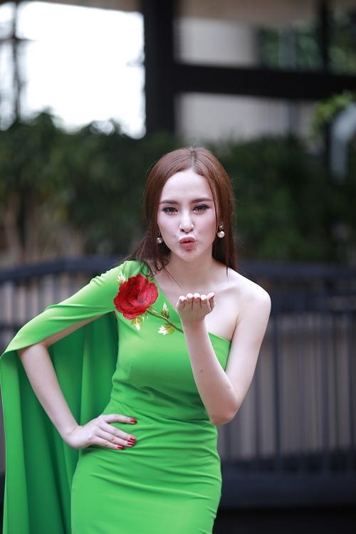 """angela phuong trinh noi bat nho mot """"nu hoang"""" - 5"""